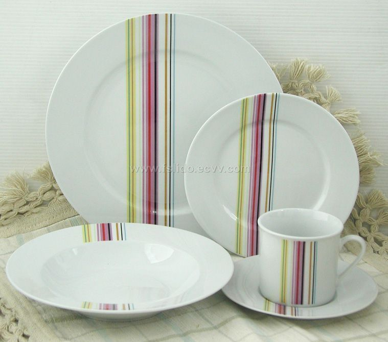 Porcelain Dinnerware Wtih Decoration