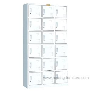 18 Door Lockers