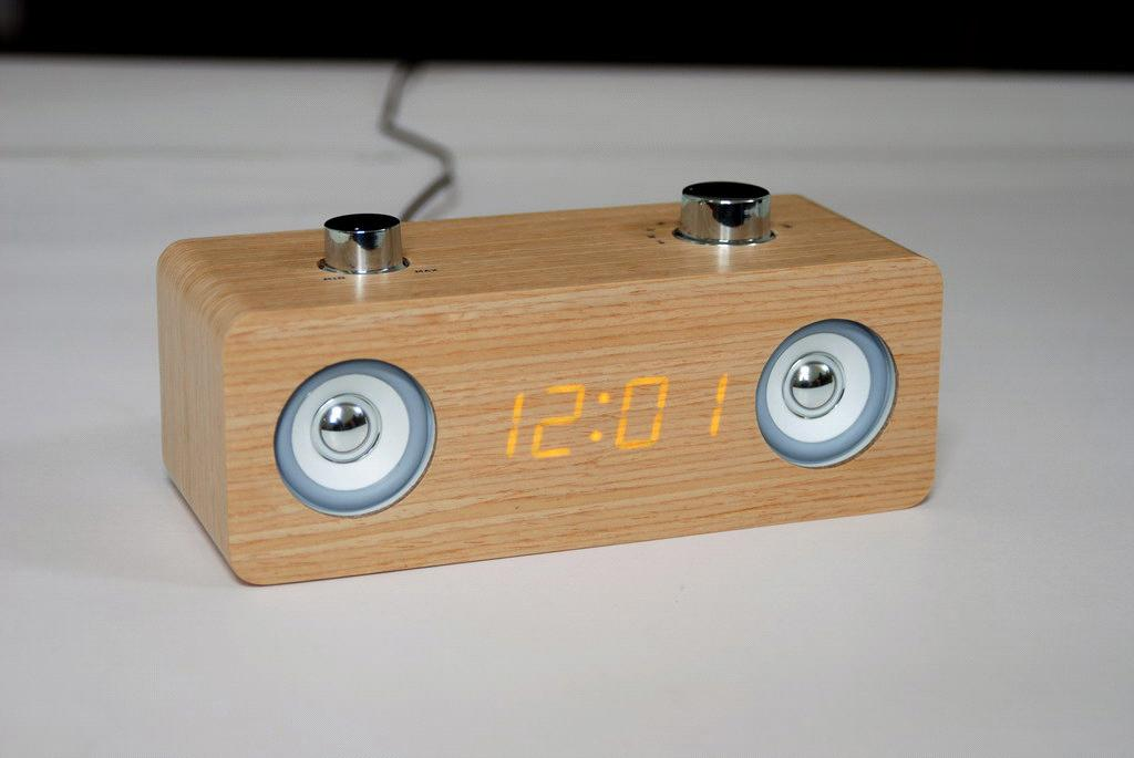 how to get pictures back on iphone alarm clock radio wood tyres2c 20106
