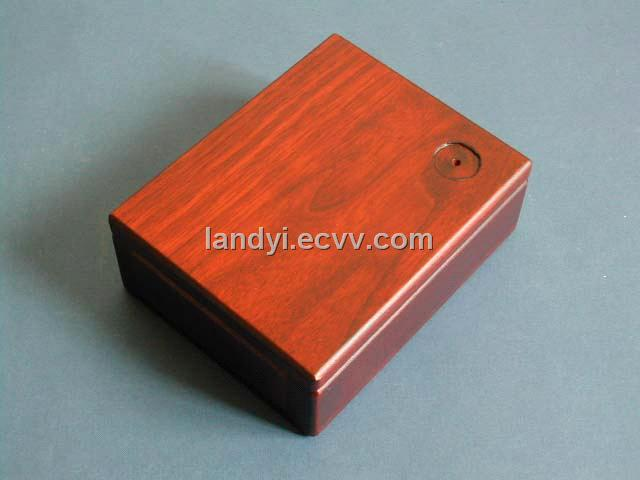 Wooden Fitted Lid Box