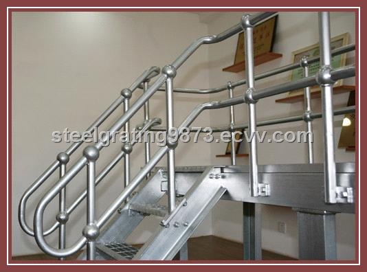 Charmant Carbon Steel Pipe Stair Handrail