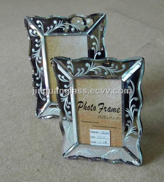 Mirrored Photo Frame With Ecthing Flower Inside Photo Side 4x65x76x8