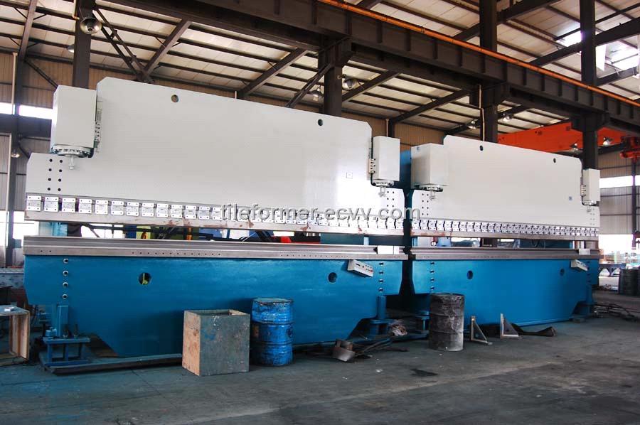 CNC Electro-Hydraulic Servo Press Brake / Hydraulic Press