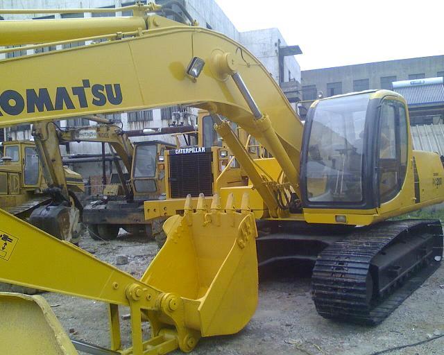 Used Komatsu Excavator PC200-6 / PC200-7 / PC200-8