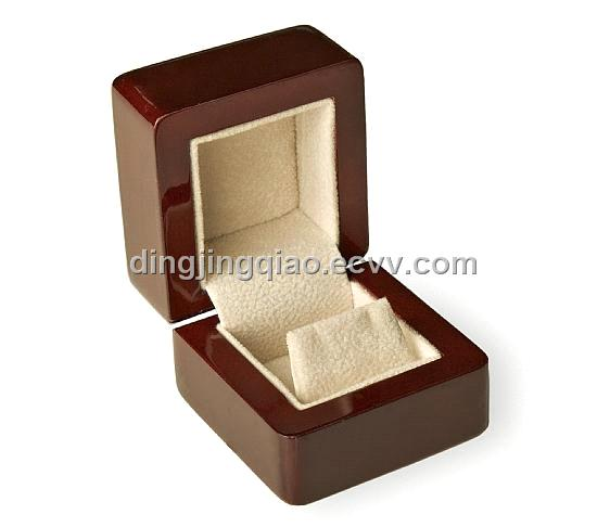 Wooden earring boxWooden gift boxWooden jewelry boxWooden