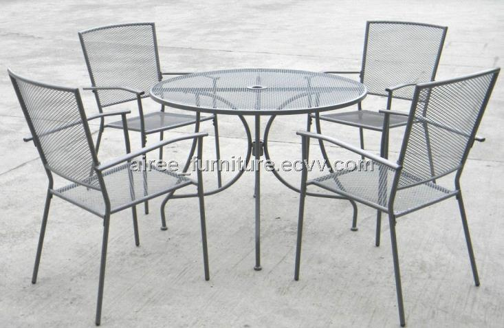 Steel Mesh Patio Dining