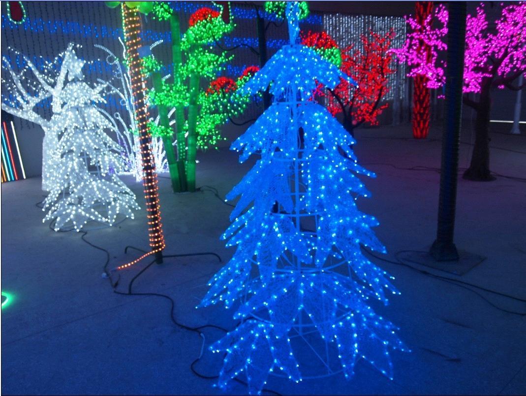 qdqt hot sale artificial waterproof christmas outdoor led tree light