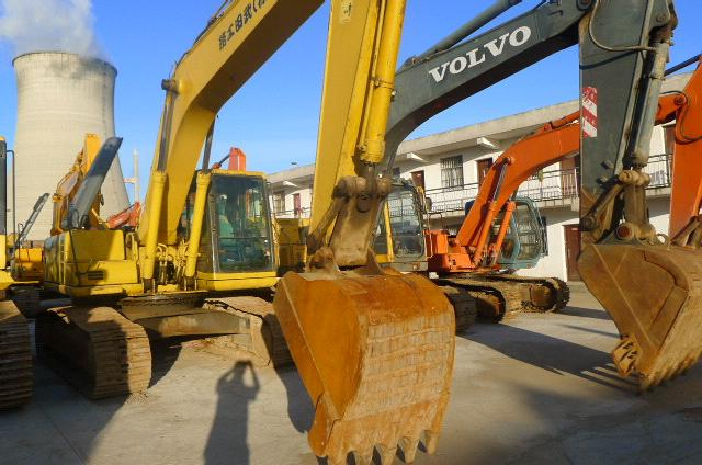 Used KOMATSU PC200-6E Crawler Excavator IN GOOD CONDITION