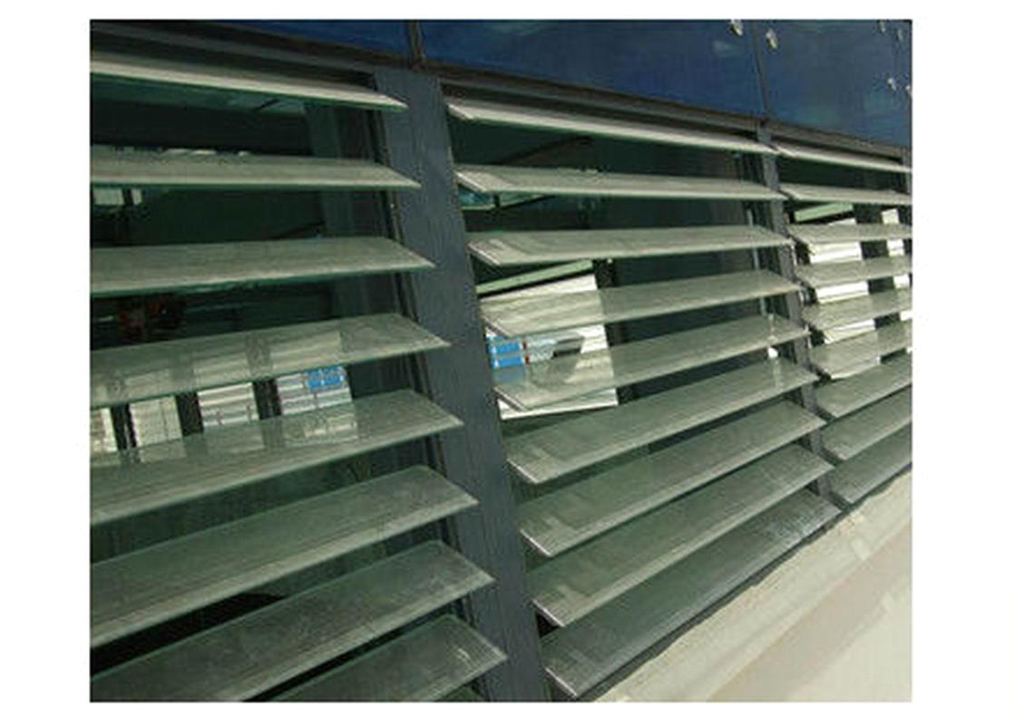 4-6mm Clear/Obscured Louver Pattern Glass with CE & ISO9001