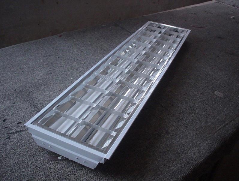 Lighting Fixture Of Standard Type With Light Steel