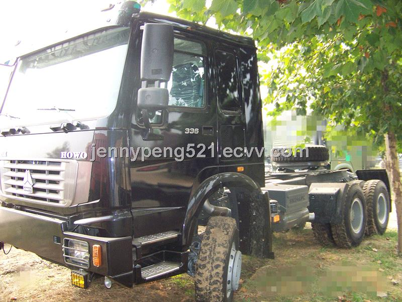 CHINA SINOTRUK 6x6 ALL WHEEL-DRIVE TRACTOR TRUCK