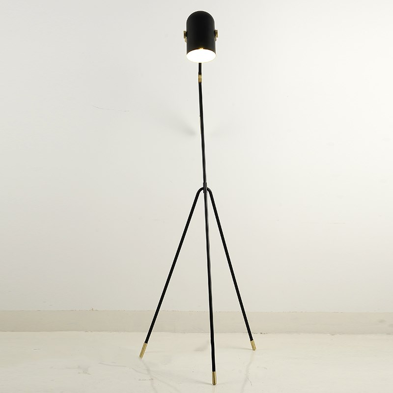 lamp tripod floor lamp tripot nightstand lamp Chinese industrial floor lamp black metal shade e27 bulb home decor lighting