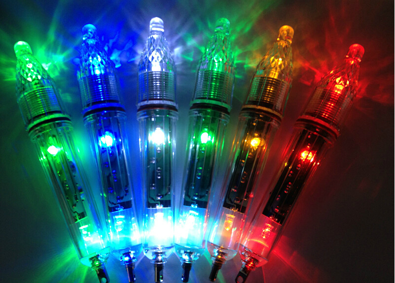 2 Pcs/ lot 17.5 cm  6 Kinds of Color Deep Drop Underwater Fish Attracting Indicator Lure LED Fishing Flash Light Bait