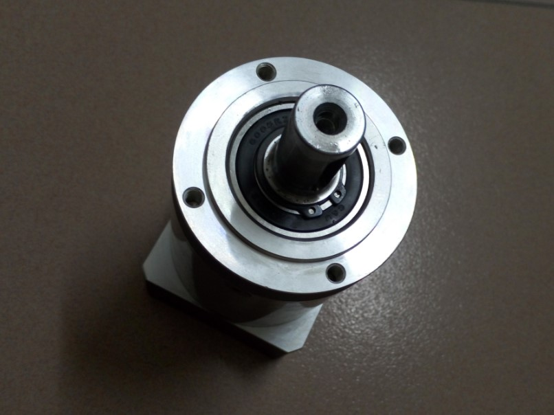 New 80MM Planetary reducer PL80-10 Ratio 1:10 Round frame fit for 750W servo motor Precision planetary reducer two frame choose