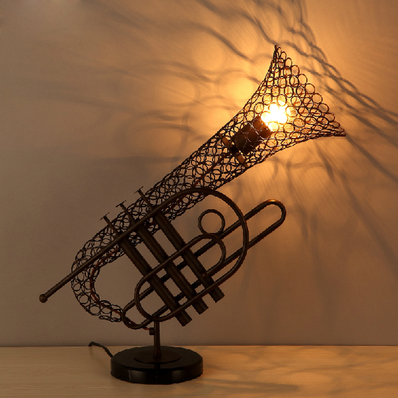 Loft retro Sax lamp iron industrial wind restaurant cafe decoration creative personality instrument lamp