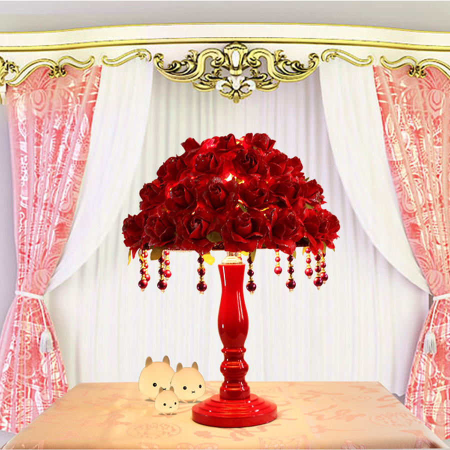 Warm romantic Red flower petal table lamp European wedding decoration lamp creative home decoration lamp