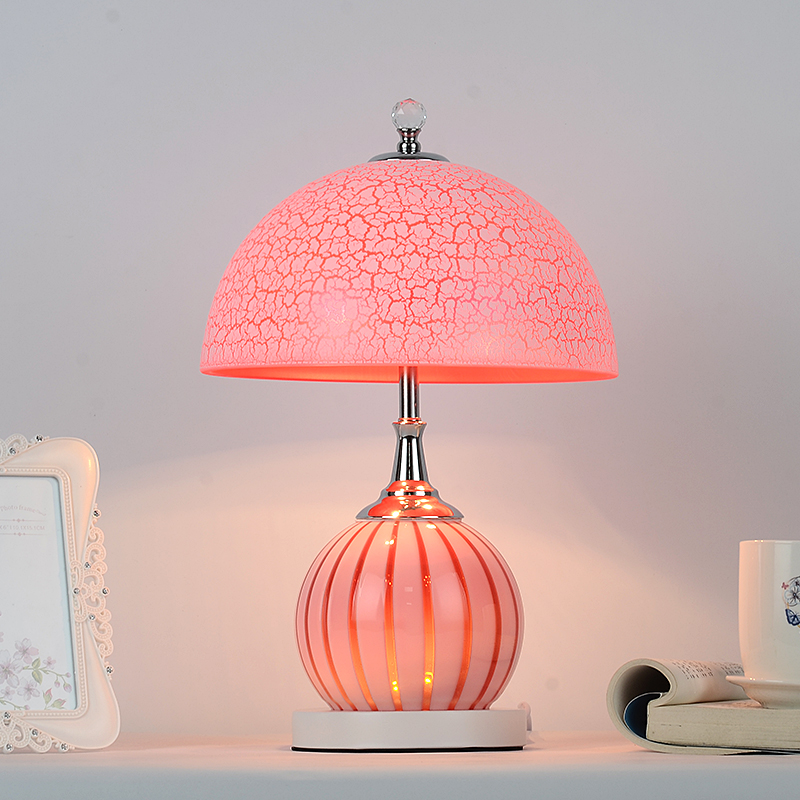 Table lamp bedroom bedside creative European modern simple wedding personality study warm warm bedside lamp CL FG378
