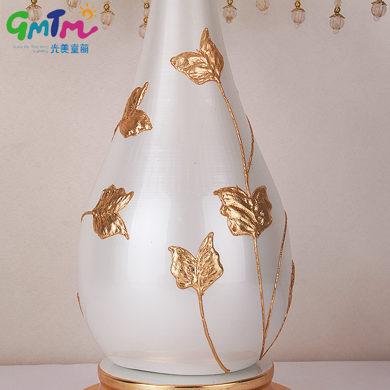 European Palace Style Night lamp Hand Painted Gold Flower Desk Lamp Hardware Lamp Post and Cloth Cover Bedside Light Hotel Lamp
