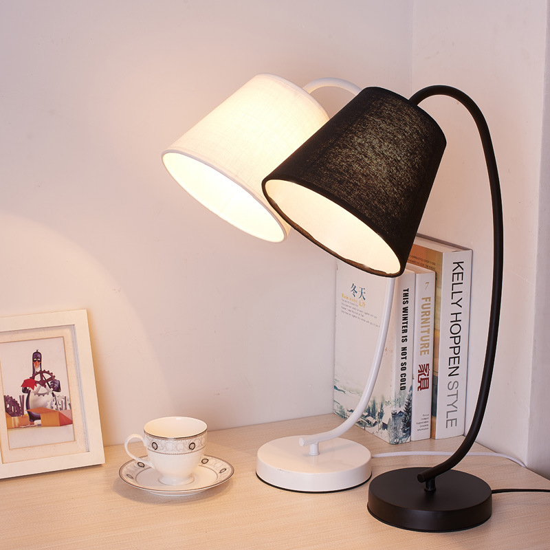 Modern LED Table Desk Lamp for the Bedroom Living Room Schoolchildren Black White Lamps Design Bedside Table Night Light Fixture