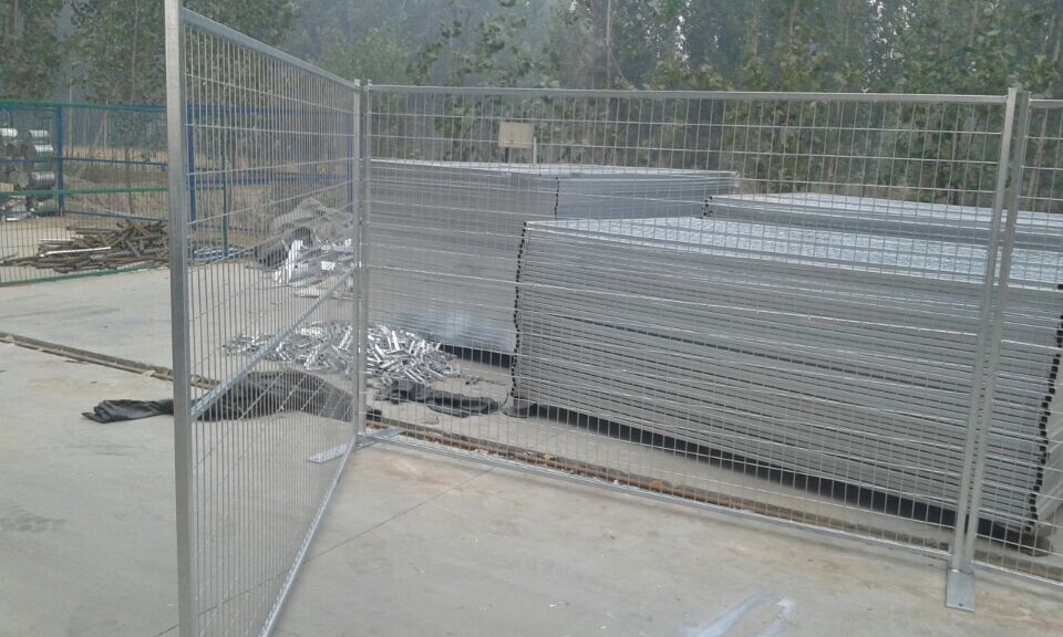 Canada style steel tube removable temporary fence factory