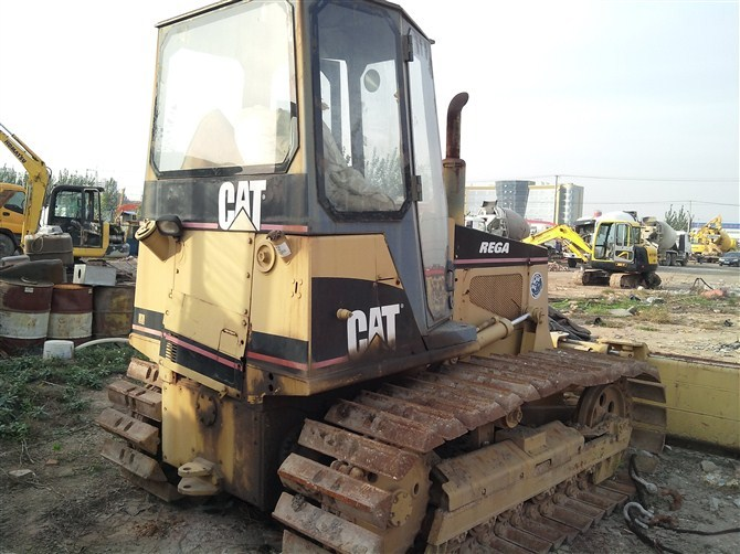 Used Bulldozer Cat d4h-ii in shanghai for sale