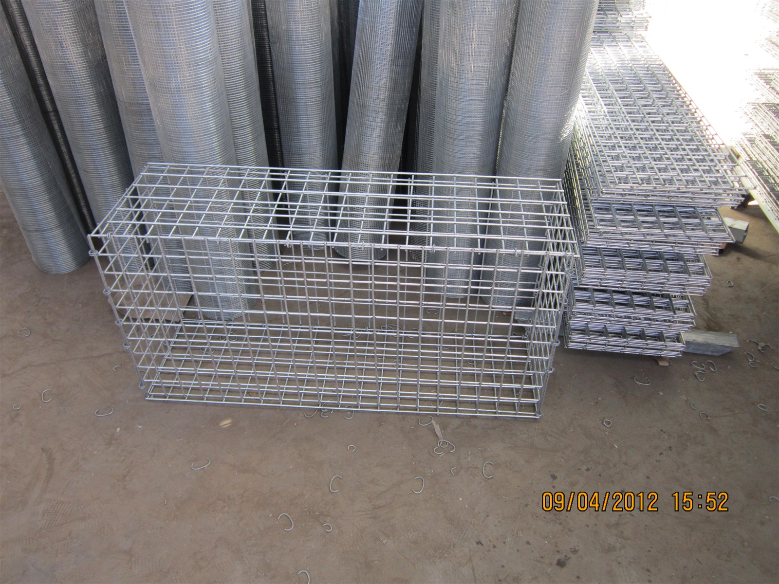 Stone Cage Wire Mesh Netting Welded Wire Stone Fence purchasing ...