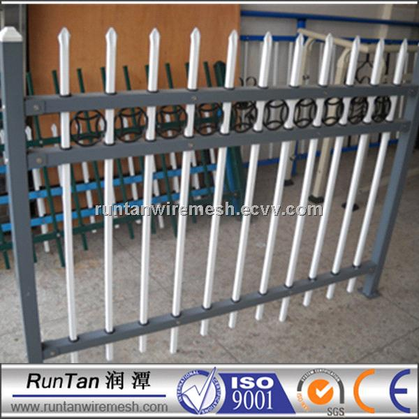 PVC and hot dipped galvanized spear fence