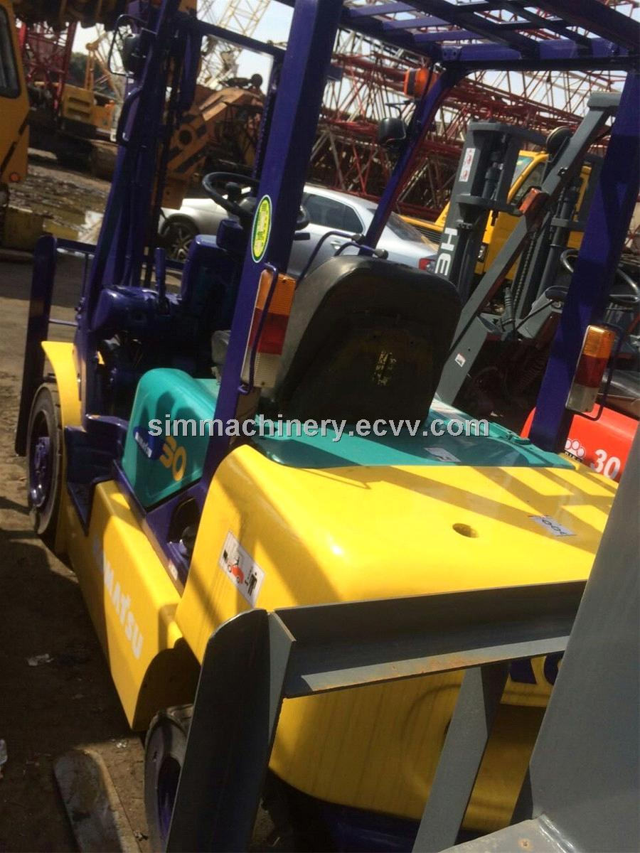 Used Komatsu 3t Manual Transmission Forklift Second Hand Komatsu 3t Diesel  Engine Lifter for Sale