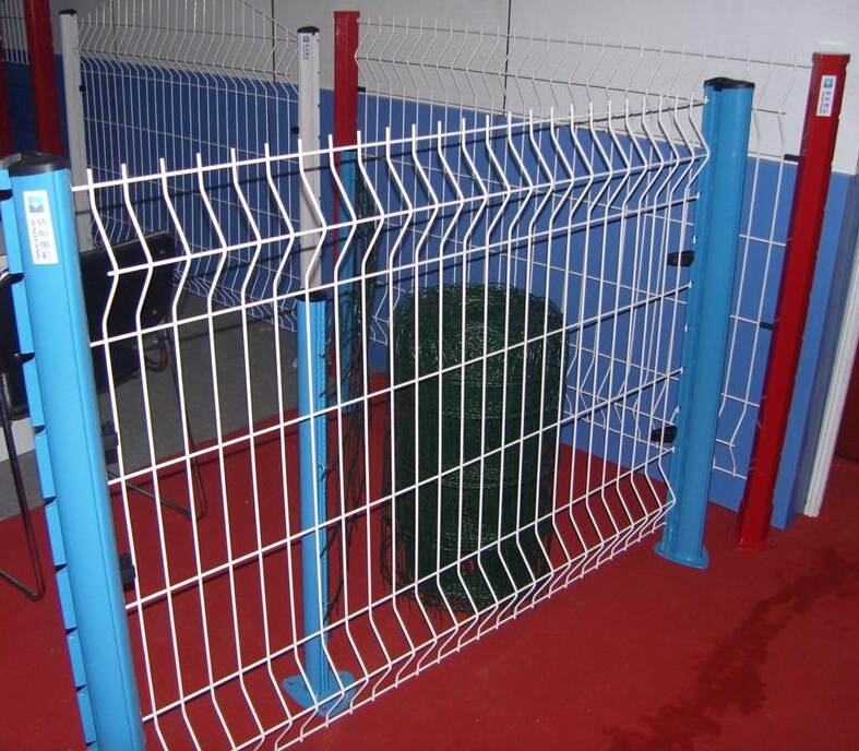 Factory Price Triangle Bended Fence V Fold Wire Mesh