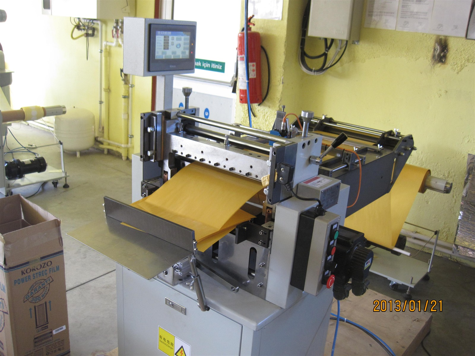 Roll Smc Vinyl Sheet Cutting Machine With High Speed And