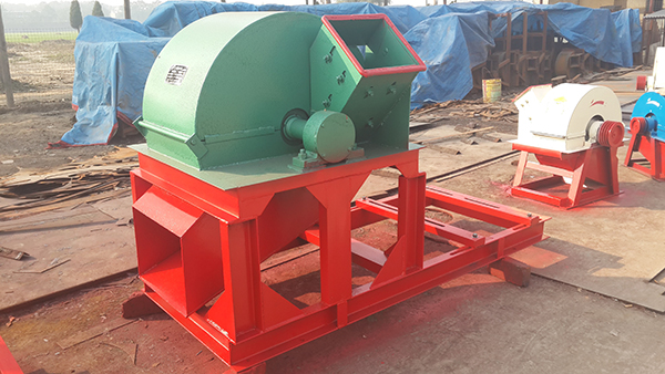 hot sale model 600 wood crusher machine/wood sawdust making machine/forestry machine wood grinder