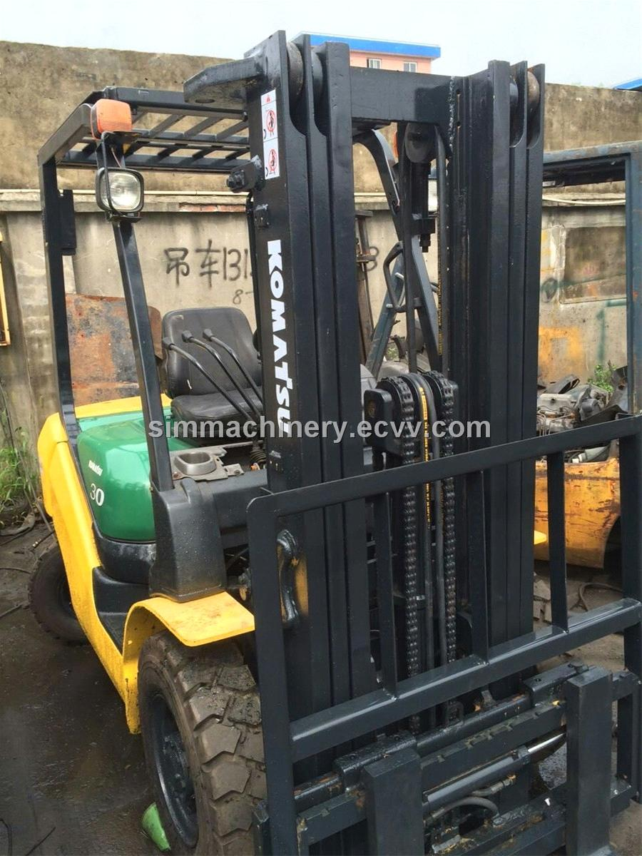 Second hand komatsu FD30-16 3T forklift with 3 stages used komatsu 3t forklift for sale