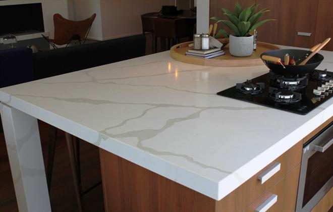 Chemical and stain resistant quartz stone polished for Quartz kitchen platform