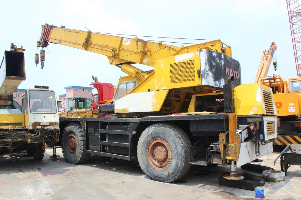 used 35 ton kato kr 35h rough terrain truck crane for sale used kato rh ecvv com Pickup Truck Crane Hoist Pickup Truck Mounted Crane