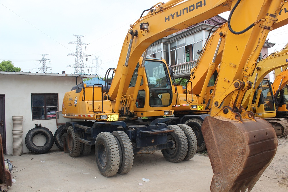 Used Wheel Excavator For Sale In Europe – Mobilia