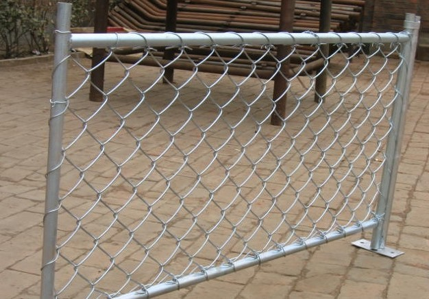 Tennies Court Chain Link Mesh Fencing