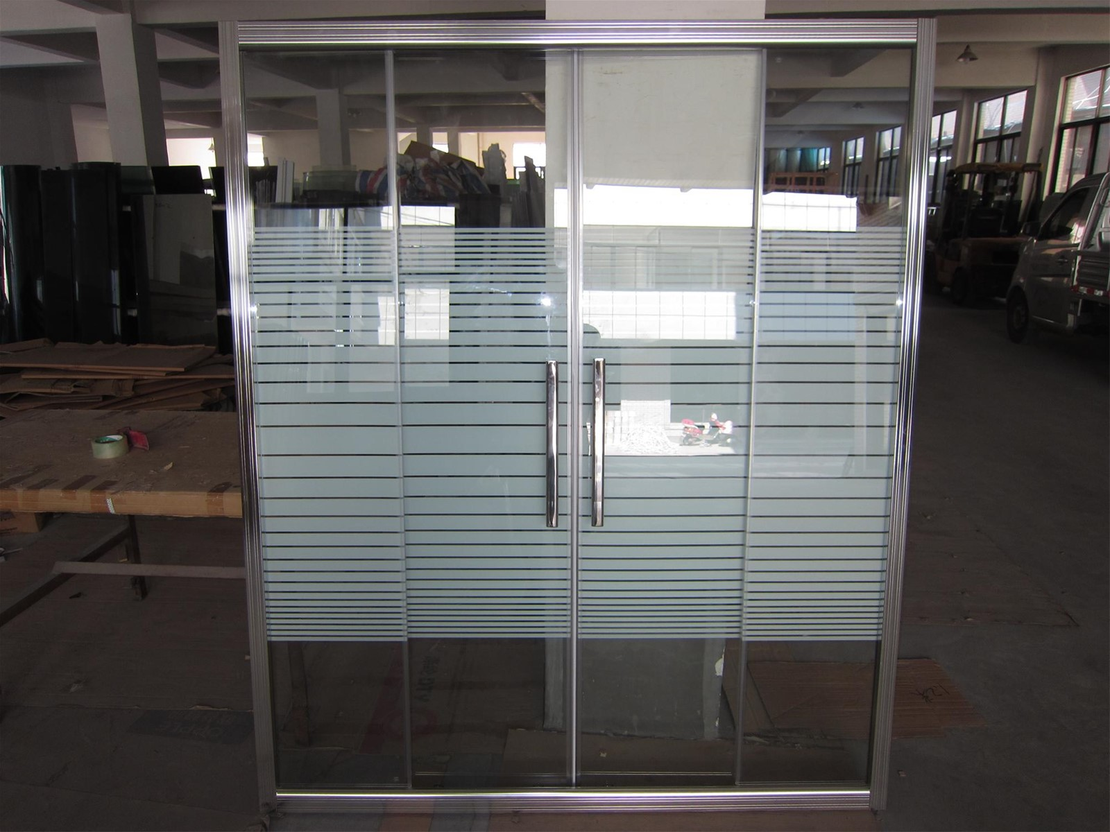 8 MM Glass Sliding Shower Screens to Kuwait