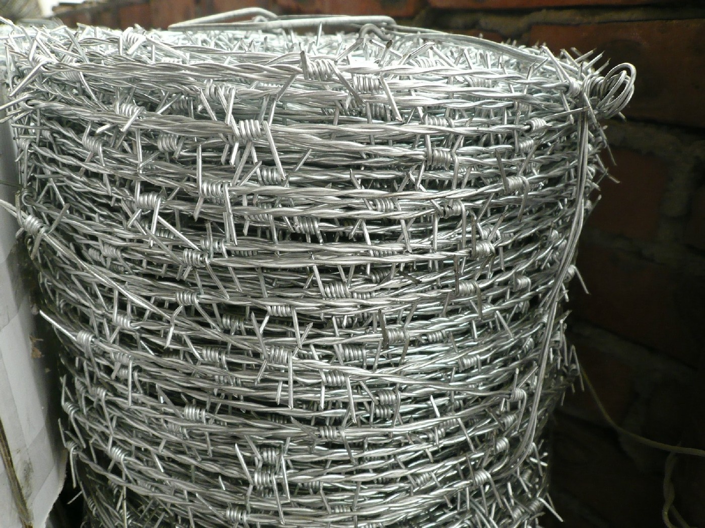 Single & Double Strand Barbed Wire 2.8mm Line with IOWA Type ...