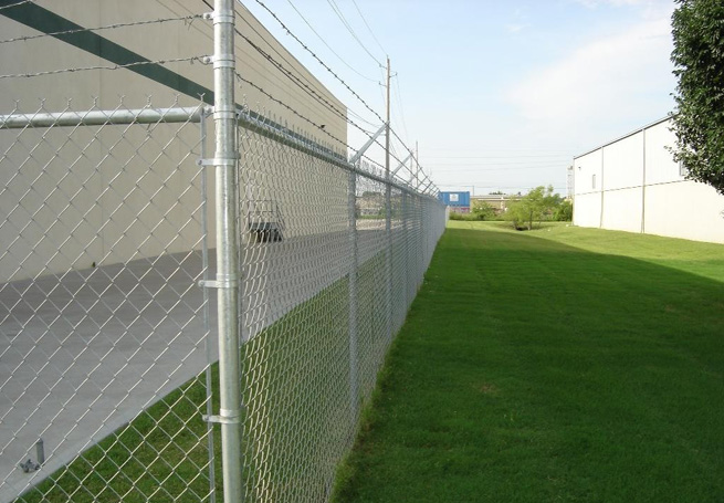 ASTM F668 standard chain link fencing with fused and bonded coating