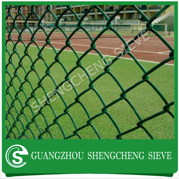 6 gauge PVC coated green chain link field fence