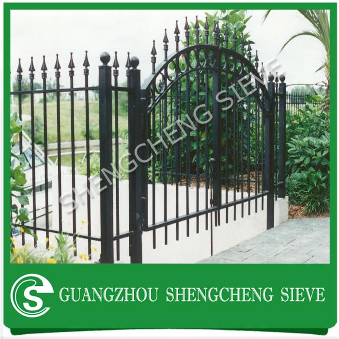 Guangzhou factory powder coated black decorative garden fencing ...