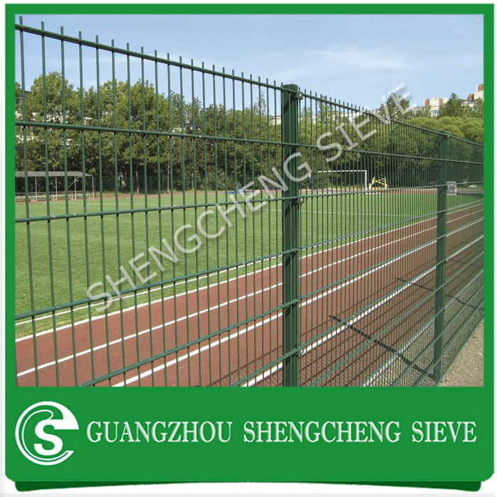 High security Nylofor 2D fencing post wire mesh heavy double wire 868 fencing