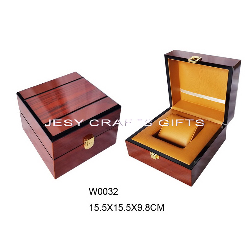 shiny brown varnish wooden watch boxW0032