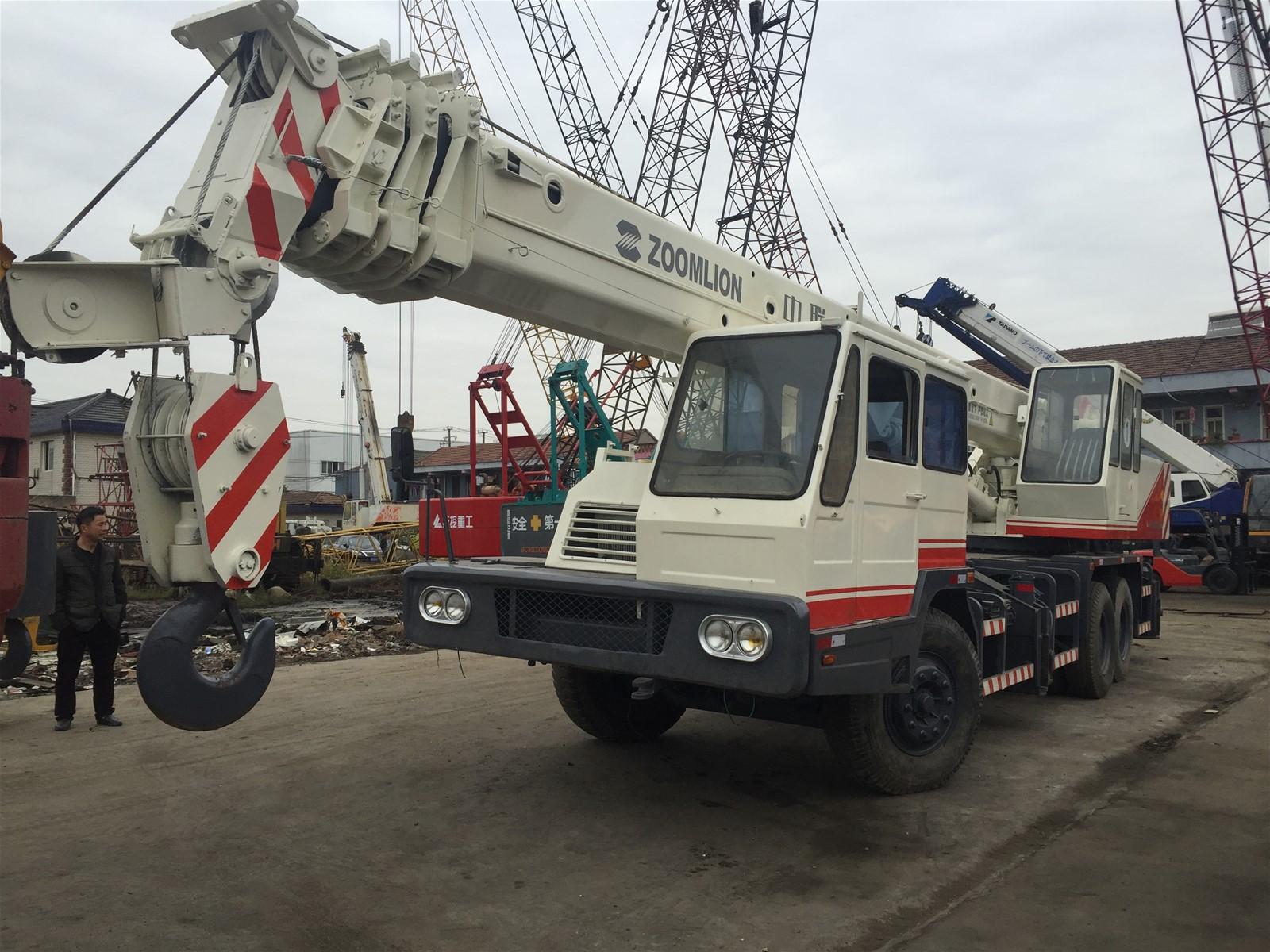 Used XCMG Truck Crane 25 Ton QY25H Japan Original Made