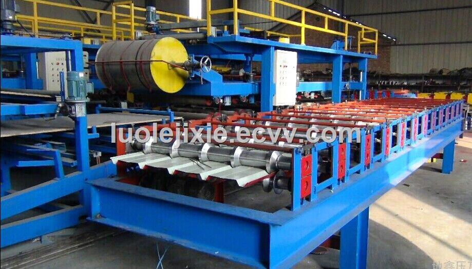 Composite Foam Board Sandwich Panel Press Forming Machine by Press and Glue