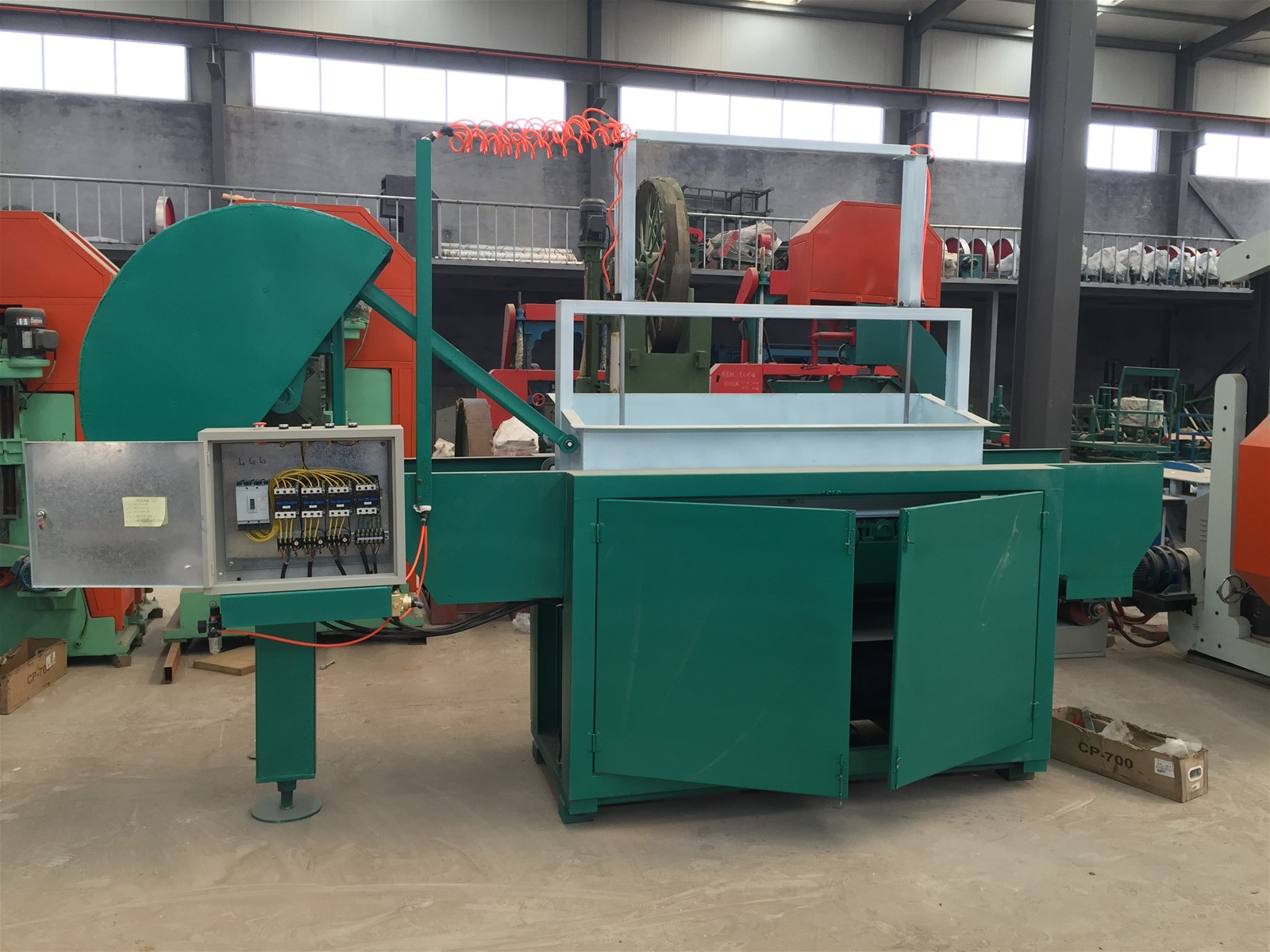 Poultry beddingfarm used Automatic Electric SHBH5001 Wood Shavings Machines