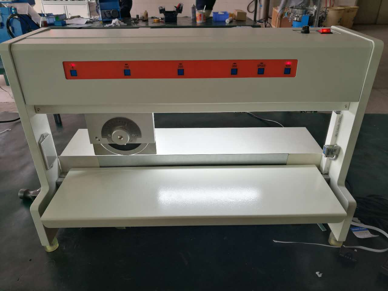 Moving-Blade Style PCB Separator