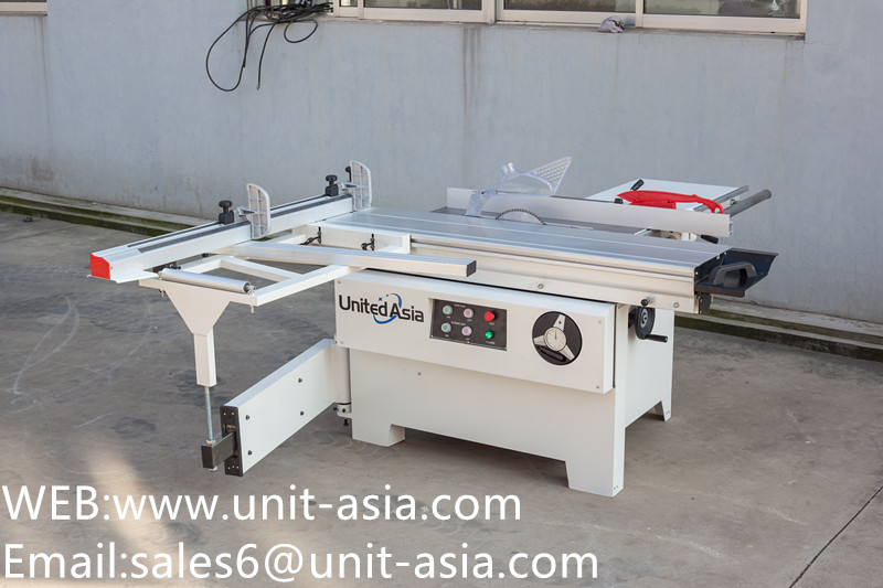Precision Sliding Table Saw for Woodworking