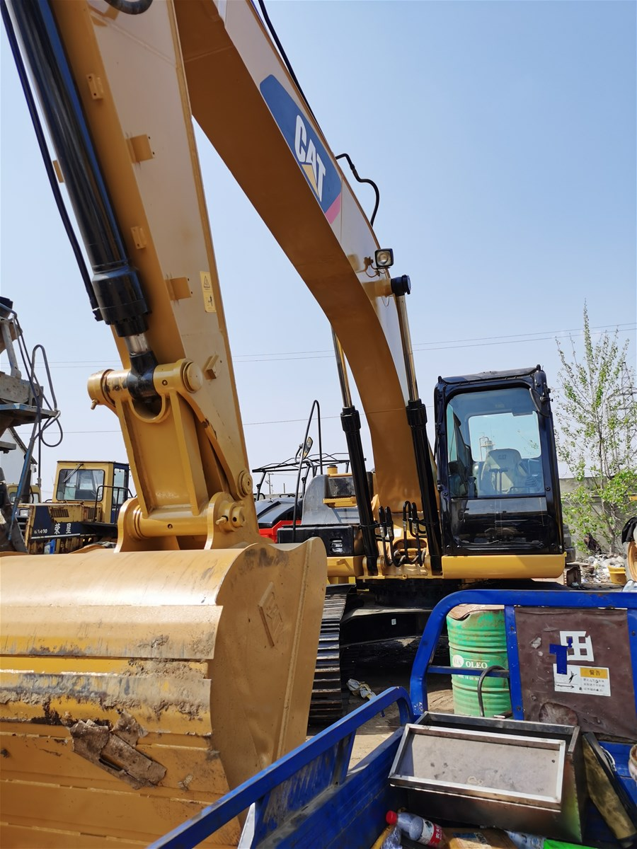 Used CATERPPILLAR 32D2 Crawler Excavator on Sale