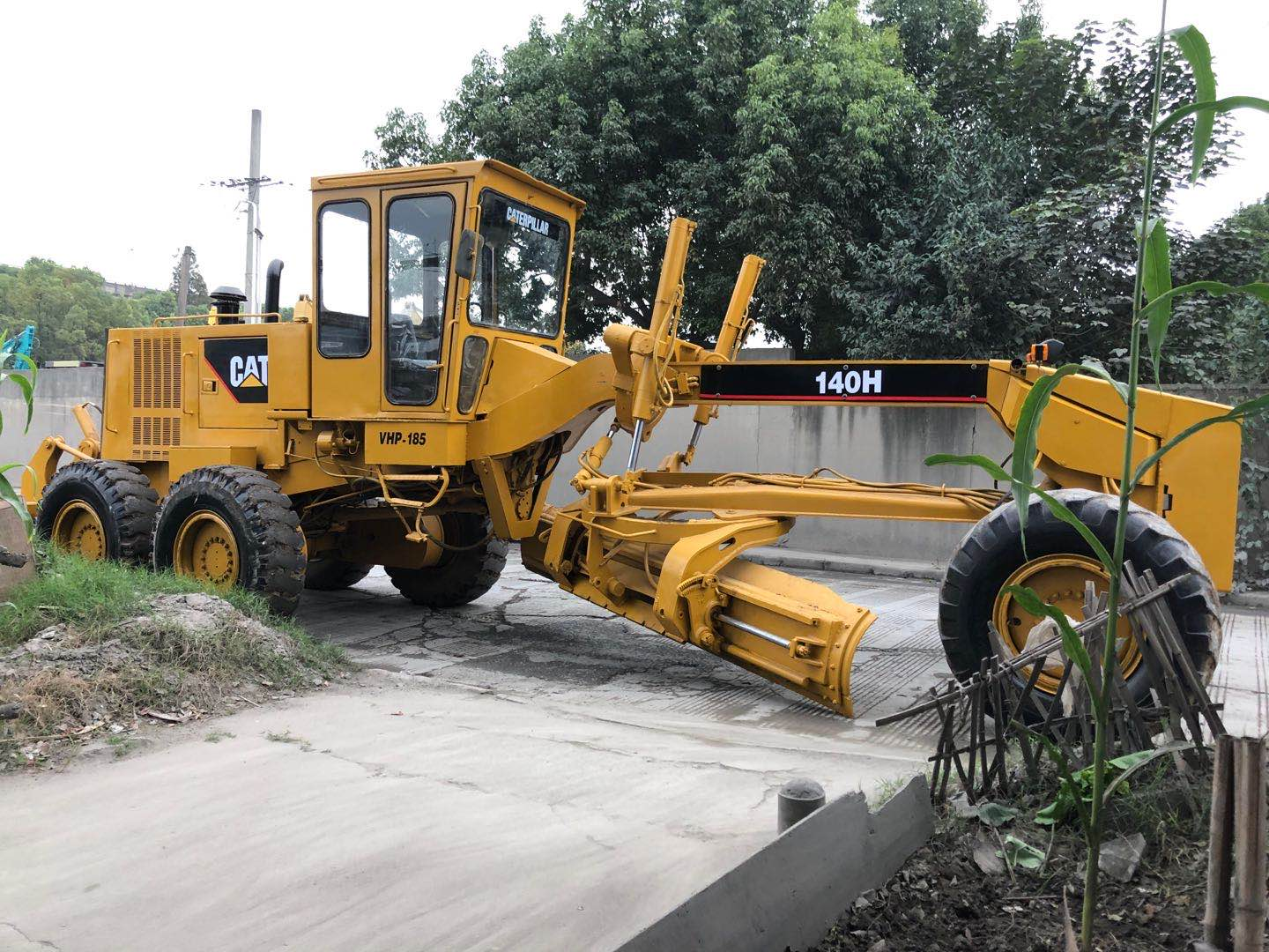 Used CATERPILLAR 140H Motor Grader on Sale